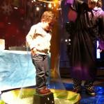Magia y niños en centro comercial
